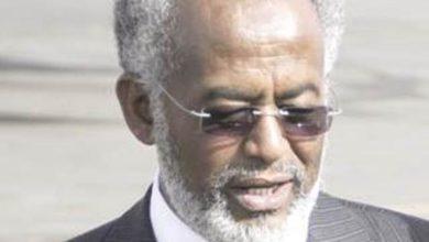 صورة علي كرتي.. متهم هارب يطالب بإسقاط الحكومة