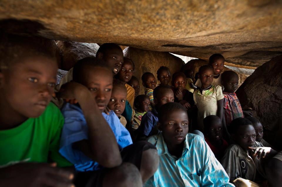 """""""التغيير"""" تهنيء الشعب السوداني بعيد الفطر المبارك"""