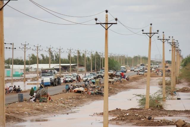 احتجاجات فى مناطق مختلفة بسبب قصور الحكومة فى مجابهة السيول وانهيار 10 الاف منزل بالخرطوم