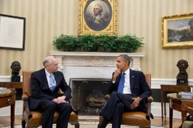 المبعوث الامريكي يكشف اسباب رفع العقوبات عن السودان ويحذر الحكومة
