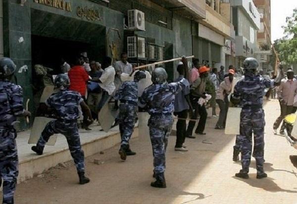 نهب مسلح لـلصيدليات في الخرطوم  يدق ناقوس الخطر