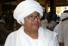 صورة نقيب المحامين العرب يخاطب ندوة عن فاروق أبو عيسى بالخرطوم