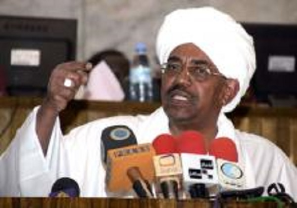 البشير: السودان يتعرض للمؤامرات لأنه يتحدث العربية ويعتنق الإسلام