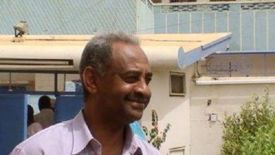 صورة فيصل محمد صالح يشَرِّح مسودة قانون الصحافة