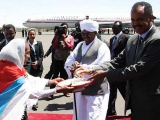 البشير : مؤامرات دولية لإشعال التوتر بين السودان وإريتريا