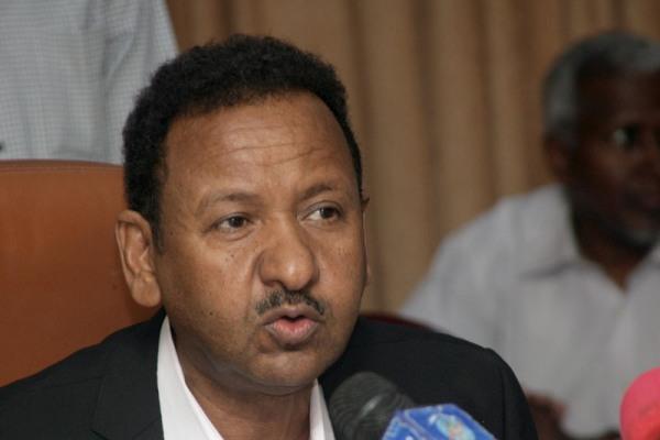 مصطفي عثمان : وسائل اعلام مصرية تحاول جر السودان للمشاكل المصرية الداخلية