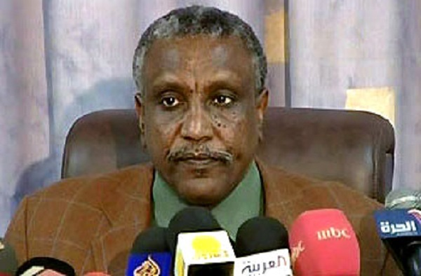 ياسر عرمان يقود وفد الحركة الشعبية المفاوض في أديس أبابا بمشاركة خبراء من خارج الحركة