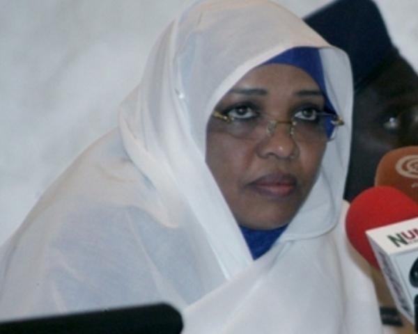 """وزيرة الاتصالات تطالب السودانيين التعامل """"بأدب """"مع خدمة """" الواتساب"""""""