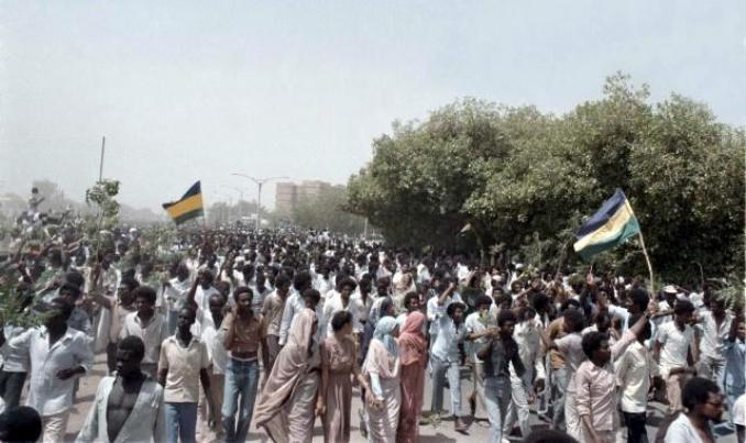 كلمة التغيير: لماذا لا تكون ذكرى انتفاضة أبريل مناسبة لوحدة المعارضة السودانية؟