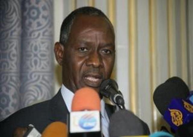 وزير العدل السوداني ينفي علمه باعداد المعتقلين