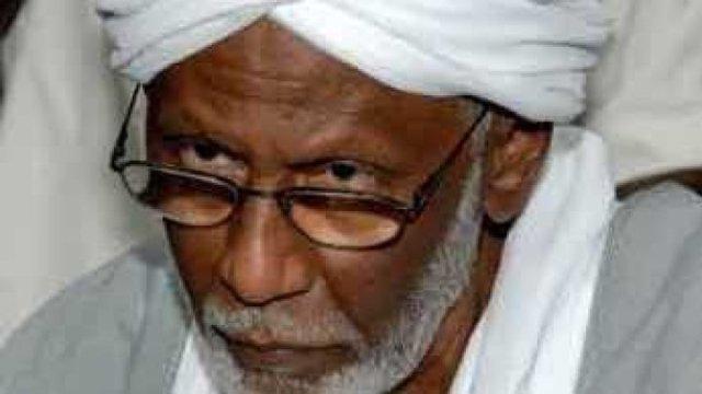 الترابي : الغرض من الحوار إعادة اللحمة بين السودانيين و القوى الإسلامية المنقسمة