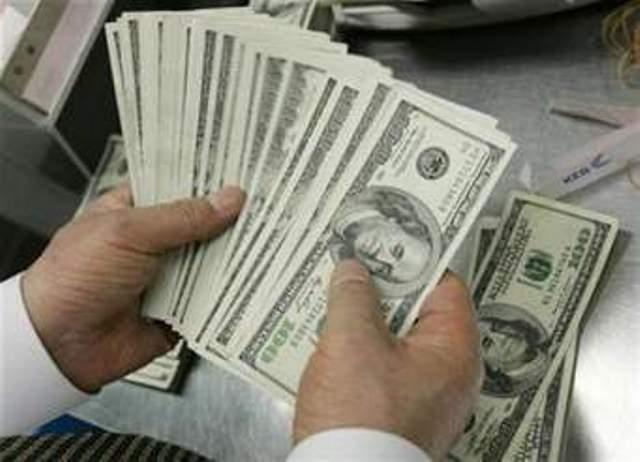 السلطات الامنية تلاحق تجار العملات الأجنبية والدولار يعاود الارتفاع امام الجنيه السوداني