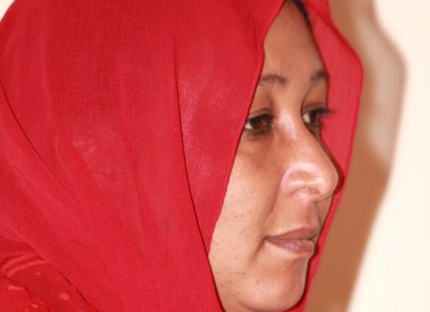 يحاصرون حبلى في شهرها التاسع بتهمة الزنا وحد الردة والمغتصبون يتبرجون بأسلحتهم!