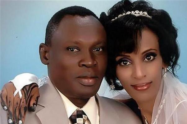 الطبيبة المحكوم عليها بالردة تضع مولودة  بالسجن والسلطات تمنع زوجها من زيارتها