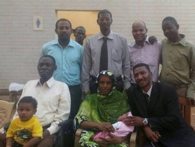 اسقاط تهمتي الردة والزنا عن مريم اسحق وقرار مفاجئ باطلاق سراحها