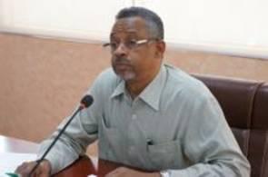 ضباط الصحة يحملون والي الجزيرة مسئولية إنهيار صحة البئية بالولاية