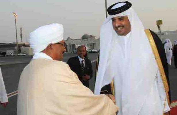 البشير ينهي زيارته لقطر .. الدوحة تنفي شروعها في وساطة بين السودان ويوغندا
