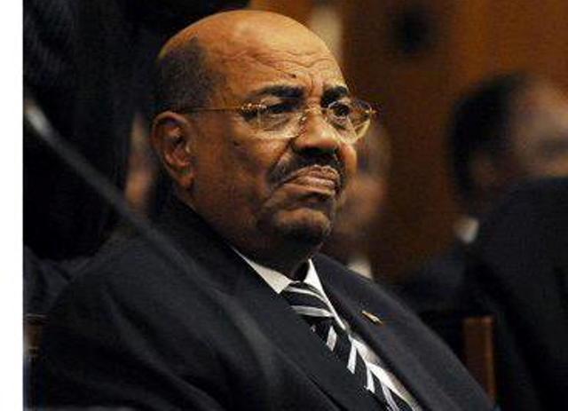 """أوباما لم يوجه الدعوة للبشير في القمة الأمريكية الأفريقية وكرتي يحتج ويصف الأمر """" بغير الطبيعي"""""""