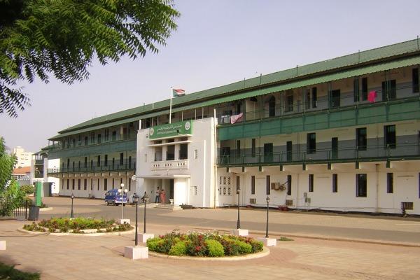 تدخل الشرطة لفك حصار دام يومين لقسم الحوادث بمستشفى الخرطوم