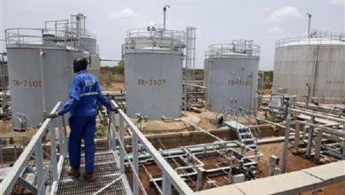 Photo of خبير إقتصادي : السودان عاجز عن تسويق مربعات نفطية قرب الحدود الليبية