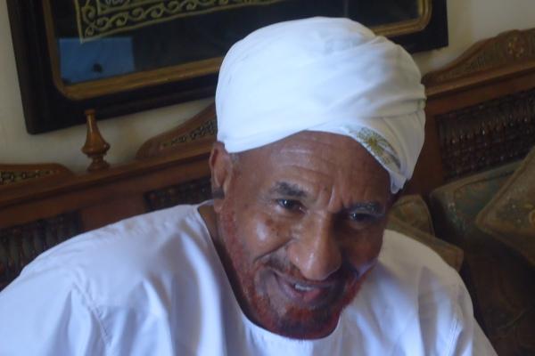 """المهدي: سأبقى خارج السودان وقمة أولوياتي تقوية العلاقة مع """"الجبهة الثورية """""""