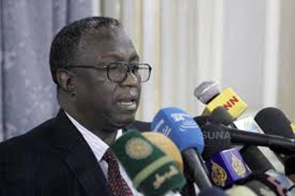 نائب البشير معجباً .. يوجه بتصدير التجربة الإسلامية السودانية ليستفيد منها العالم