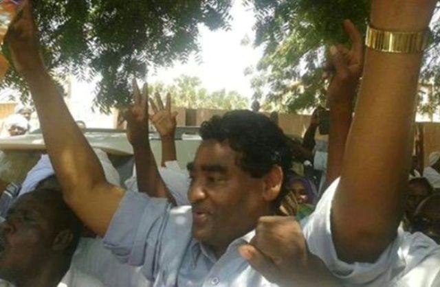 حشود كبيرة استقبلته بالخرطوم : ابراهيم الشيخ يؤكد تمسكه باتهامه لمليشيات (الجنجويد) بارتكاب انتهاكات