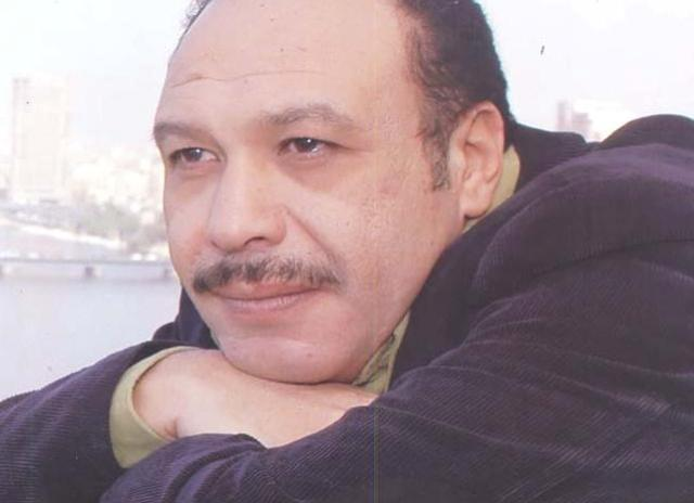 """المصريون يشيعون """" سلطان الغرام"""" إلى مثواه الأخير """" بعد الفراق"""