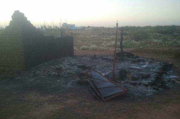 حي المثلث سوبا بالخرطوم : اعتقالات وضرب و حرق اكثر من ( 20 ) منزلاً