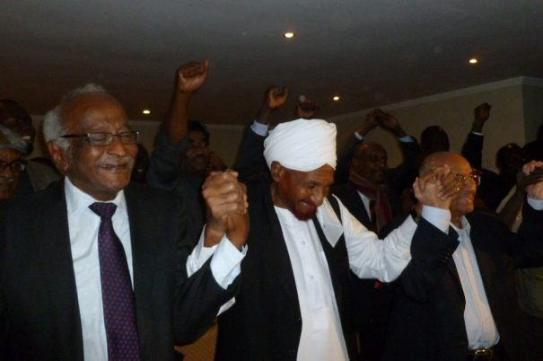 """المعارضة تعلن تحدي الحكومة حال اتحاذ """" إجراءات قانونية"""" بسبب """" نداء السودان"""""""