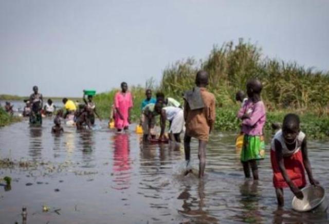 السودان ينقل مواطنين من جنوب السودان مقيمين في الخرطوم إلى مناطق حدودية