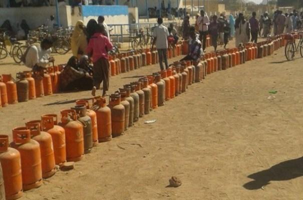 أزمة الغاز تعيد الصفوف الطويلة في الخرطوم