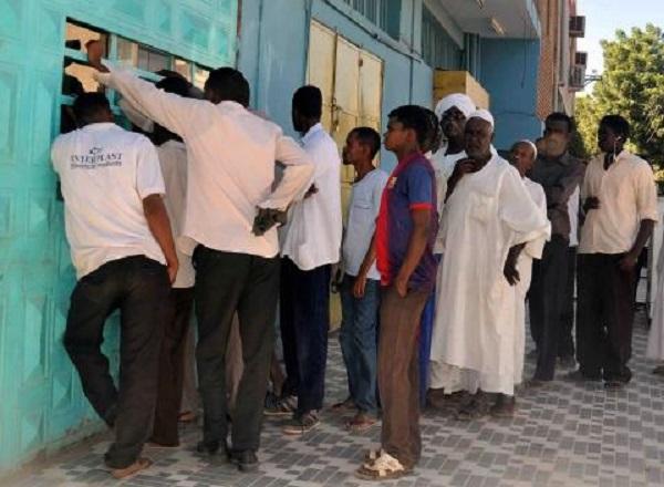 """خبير اقتصادى : حملات الحرب """"صيف ساخن"""" على الاقتصاد السودانى"""