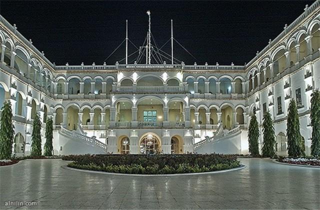 البشير ينتقل إلى قصر رئاسي جديد