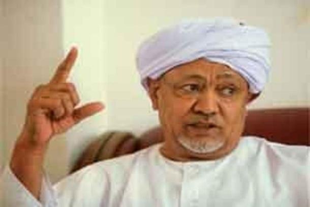 الطيب مصطفى : تم منعنا من تناول قضايا الفساد والانتخابات والحوار بالنقد