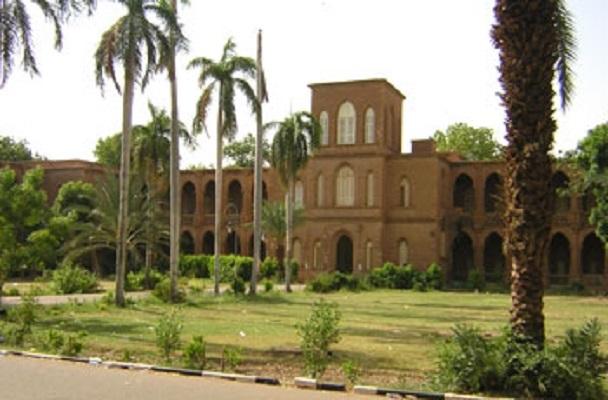 الامين دفع الله يدعو إلى إخلاء مباني جامعة الخرطوم