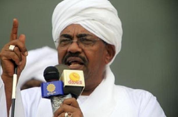 """البشير يتعهد للملك سلمان بحماية الأمن السعودي والإبتعاد عن """" إيران والأخوان"""""""