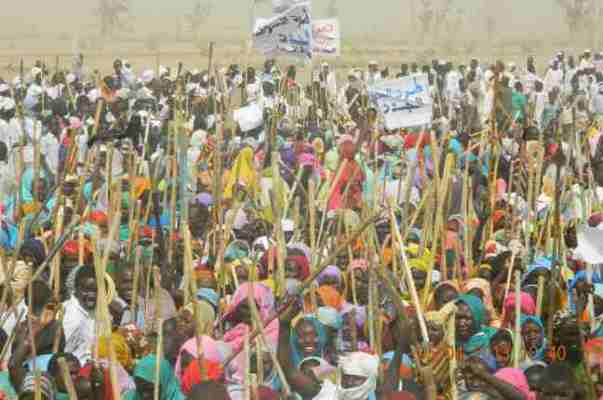 نازحو دارفور في مظاهرات: ارحل يا بشير
