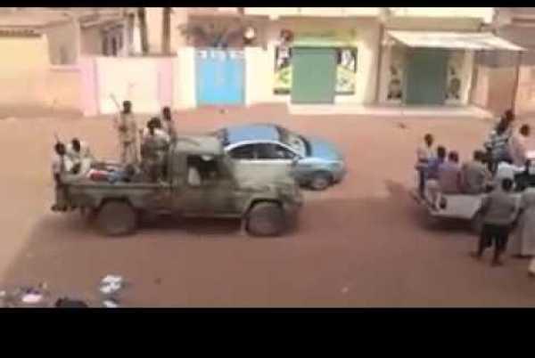 """قيادية بحزب """"المؤتمر السوداني"""": ضربوني بالشلوت"""