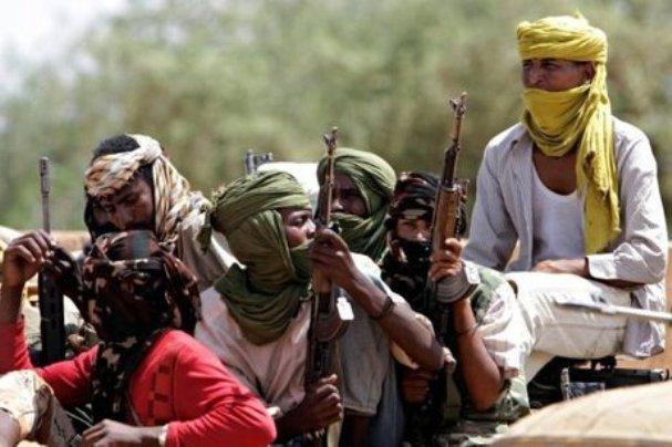 أسلحة ثقيلة وسيارات حكومية في القتال بين الرزيقات والمعاليا