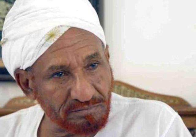 """الصادق المهدي: """"مبارك"""" صنع لنا أزمة بلا مبرر في """"السودان"""""""