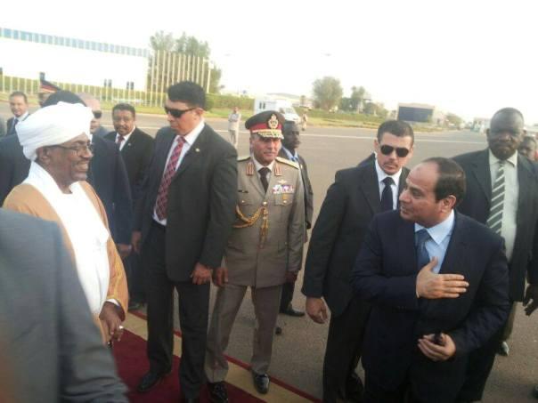 """أبو عيسى: السيسي شارك في إحتفال """"تمزيق السودان"""""""