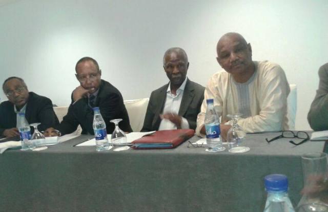 أمبيكي يستعرض مع البشير ملف الحوار وقضايا المنطقتين