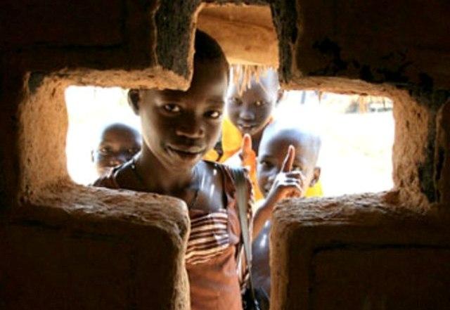 """منع """"القساوِسة"""" ياك وبيتر من مغادرة السودان"""
