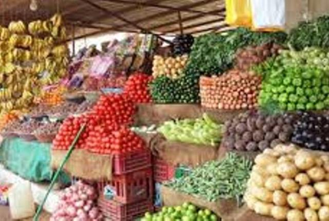 ارتفاع أسعار السلع وكيلو الطماطم بلغ (40) جنيهاً