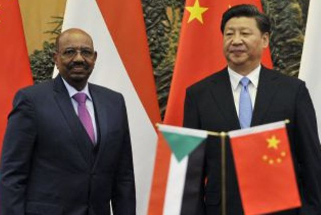 البشير يوقع اتفاقات مع الرئيس الصيني ببكين