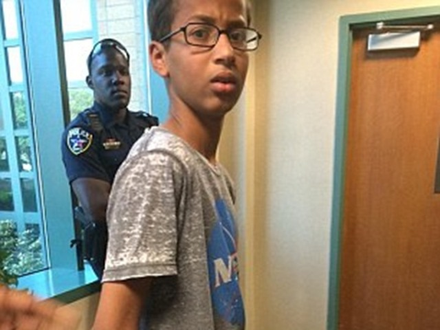"""أوباما دعاه إلى البيت الأبيض: حادثة الطفل السوداني """"أحمد"""" تهُز أمريكا"""
