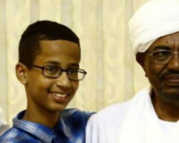 """هجوم إعلامي على """"أحمد"""" صبي الساعة،بعد مقابلته البشير"""