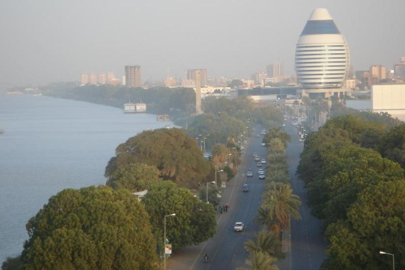 """نشر """"مُخبرين"""" على شارع النيل لمراقبة الأنشطة السياسية"""
