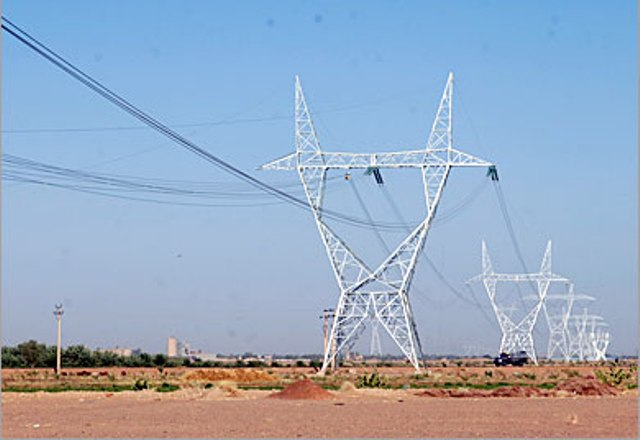 عبد الباقي: قطوعات الكهرباء سببها موازنة التوزيع